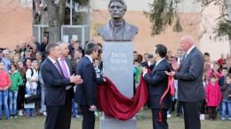 Паметник на Левски в Цариброд